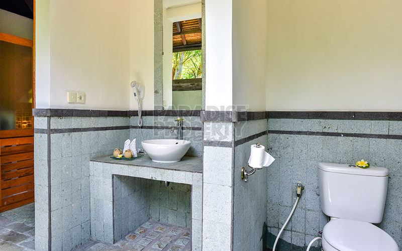 Freehold Beachfront Villa Resort for Sale in North Bali