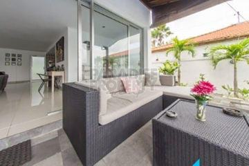 Great Value 2 Bedroom Freehold Villa in Padonan