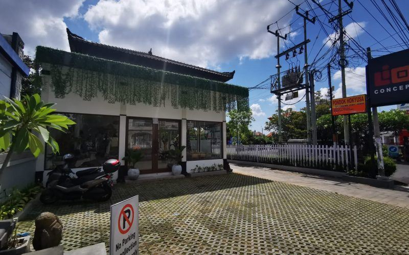Prime Retail Space in Jl Kerobokan,  on 650 sqm Land for 17 Years Lease