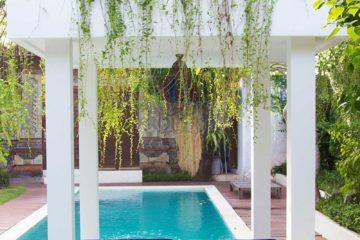 Luxurious 4 Bedroom Leasehold Villa 500m from Batu Bolong Beach in Canggu