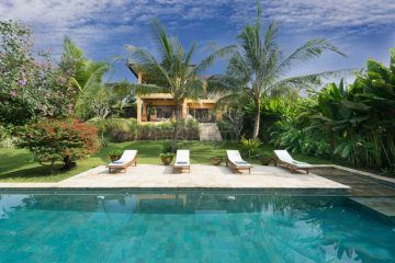 Mediterranean Style Riverside Leasehold Villa for 24 Years Facing Canggu Rice Paddies