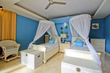 5 Bedroom Villa in Jimbaran With Option Freehold Title or Leasehold 99 Years
