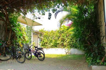 A Walking Distance Property to The Beach in Kedonganan, Jimbaran