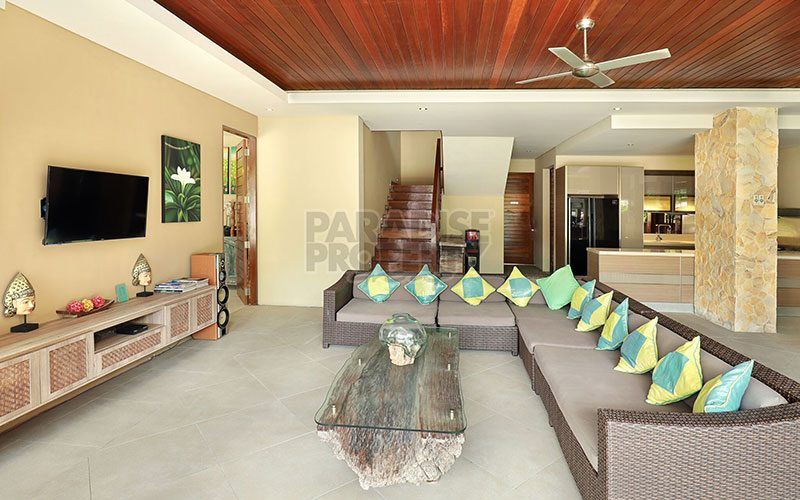 Stylish 4 Bedroom Villa, Prime Location in Berawa