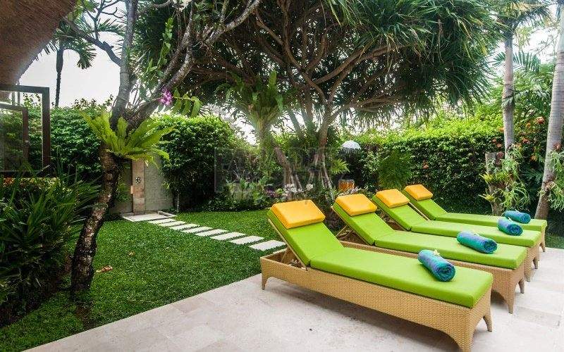 Exclusive Rice Paddy View Villa in Central Seminyak
