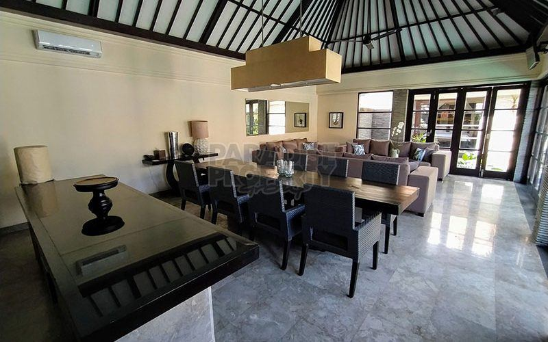 Stylish 3 Bedroom Villa in Private Petitenget Complex