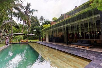 Modern 6 Bedroom Hotel – Stunning Jungle Views – Leasehold – 1.5 km to Ubud Center