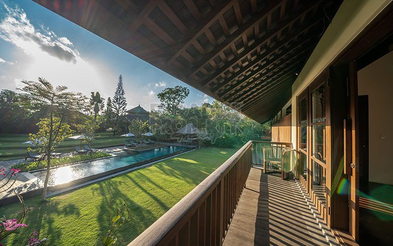 7 Bedrooms Villa with Spacious Garden Amidst Kerobokan Rice Field