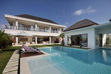 The Breathtaking 5 Bedroom White Villa in Canggu