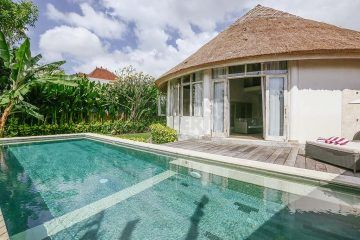 Tropical 3 Bedroom Yearly Villa Rental in Canggu