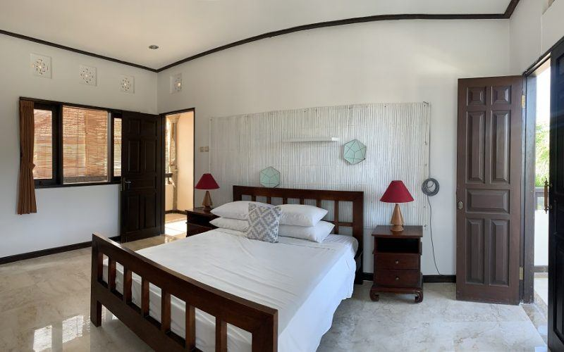 Traditional Balinese Style House For a Yearly Rental in Klecung, Umalas
