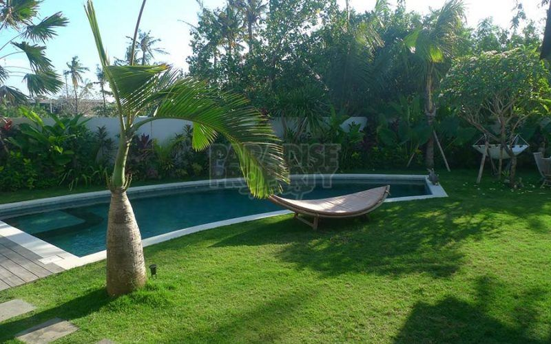 Luxury 3 Bedroom Villa In A Secure Complex Next To Berawa Beach For Yearly Rental