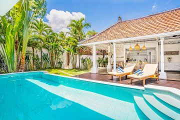 Beautiful 4 Bedrooms Villa in Near Oberoi Seminyak for Monthly Rental