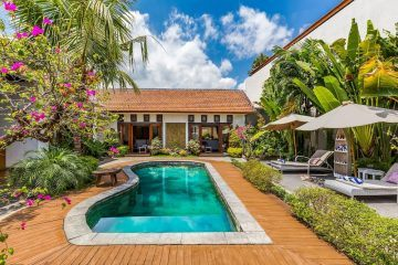 Chic 3 Bedrooms Villa Located in Canggu