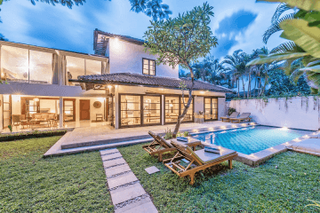 6 Bedrooms Villa for Rent On The Strategic Location in Seminyak