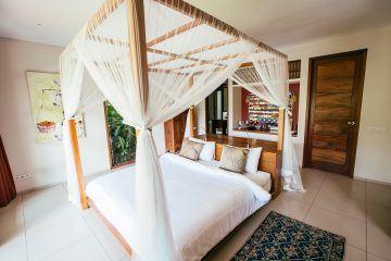 Magnificent 7 Bedroom Villa in Kediri, Tabanan for Sale