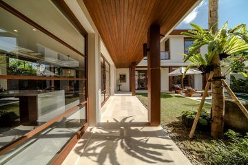 Outstanding Luxury Villa with 5 Bedrooms for Sale (SHM) in Berawa