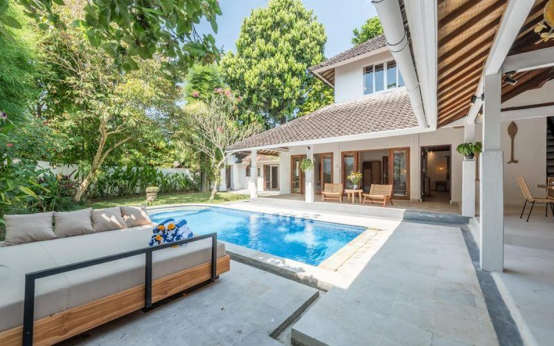 5 Bedroom Villa in Seminyak with Lush Garden and Private Pool