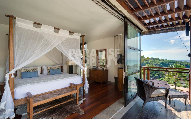 Luxury 4 Bedroom Freehold Villa with Stunning Panoramic Ocean Views